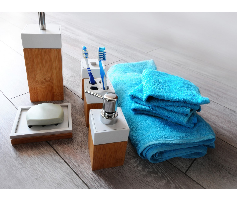 accessoires salle de bain en bambou top accessoires salle de bain bambou bois u salle de bains. Black Bedroom Furniture Sets. Home Design Ideas